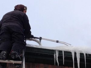 Ice Dam Removal and Rooftop Snow Removal Winnipeg Canada